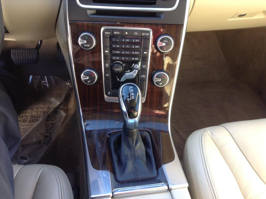 Used Volvo S60 4dr Sdn T5 Premier Plus FWD 2014 | Eurocars Plus. Groton, Connecticut