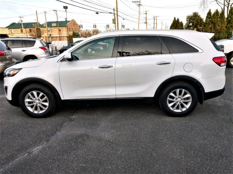 Used 2017 Kia Sorento in COPIAGUE, New York | Warwick Auto Sales Inc. COPIAGUE, New York
