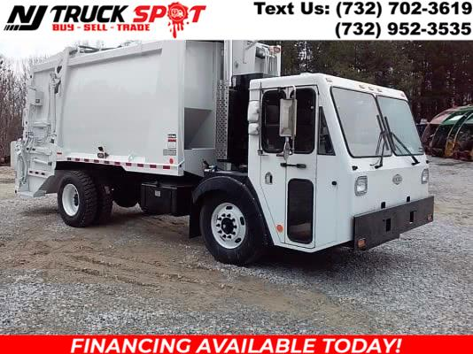 Used CRANE CARRIER GARBAGE TRUCK 2005   NJ Truck Spot. South Amboy, New Jersey