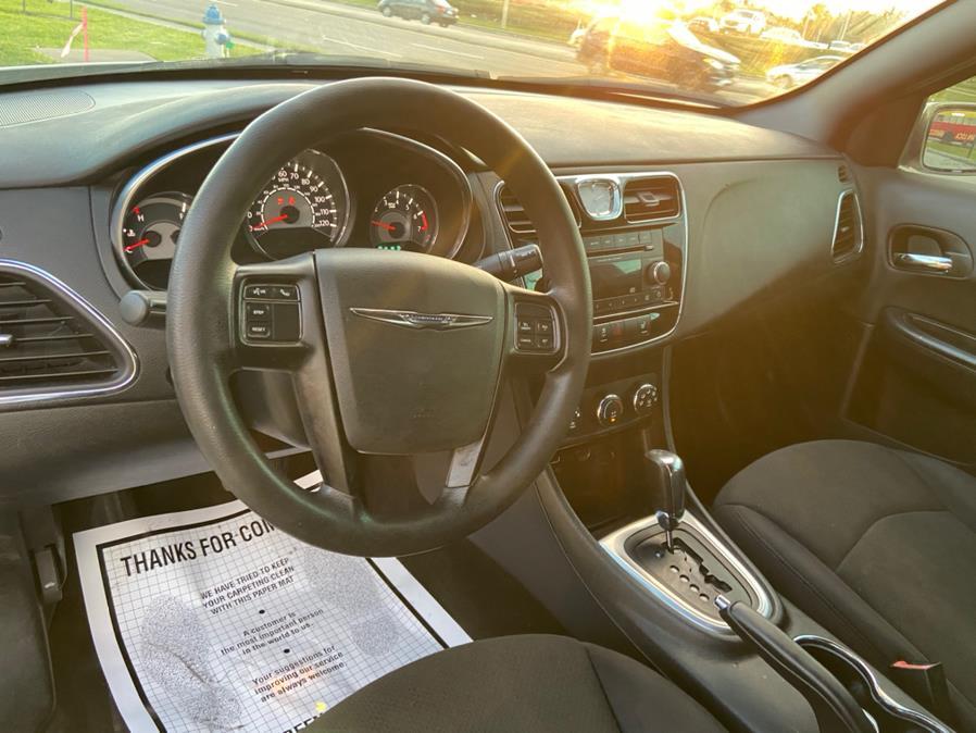Used Chrysler 200 4dr Sdn LX 2014 | 2 Car Pros. Orlando, Florida