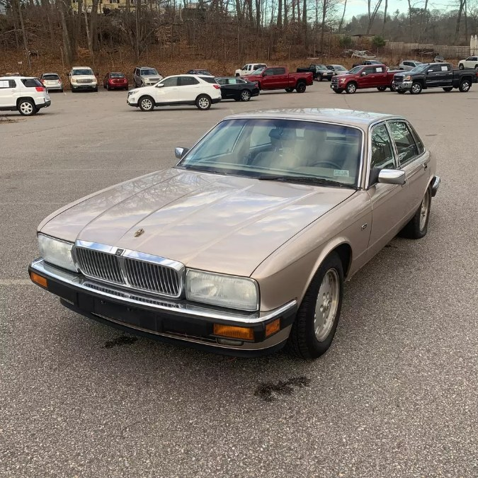 Used 1994 Jaguar XJ in Naugatuck, Connecticut | Riverside Motorcars, LLC. Naugatuck, Connecticut