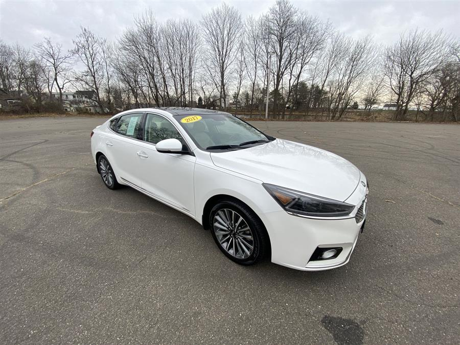 Used Kia Cadenza Premium Sedan 2017 | Wiz Leasing Inc. Stratford, Connecticut