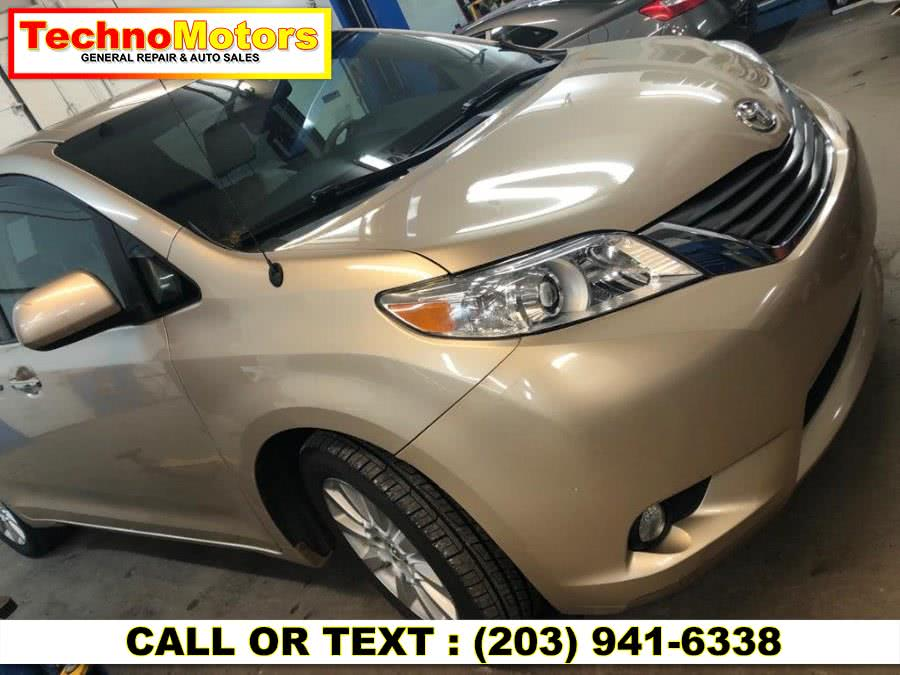Used 2012 Toyota Sienna in Danbury , Connecticut | Techno Motors . Danbury , Connecticut