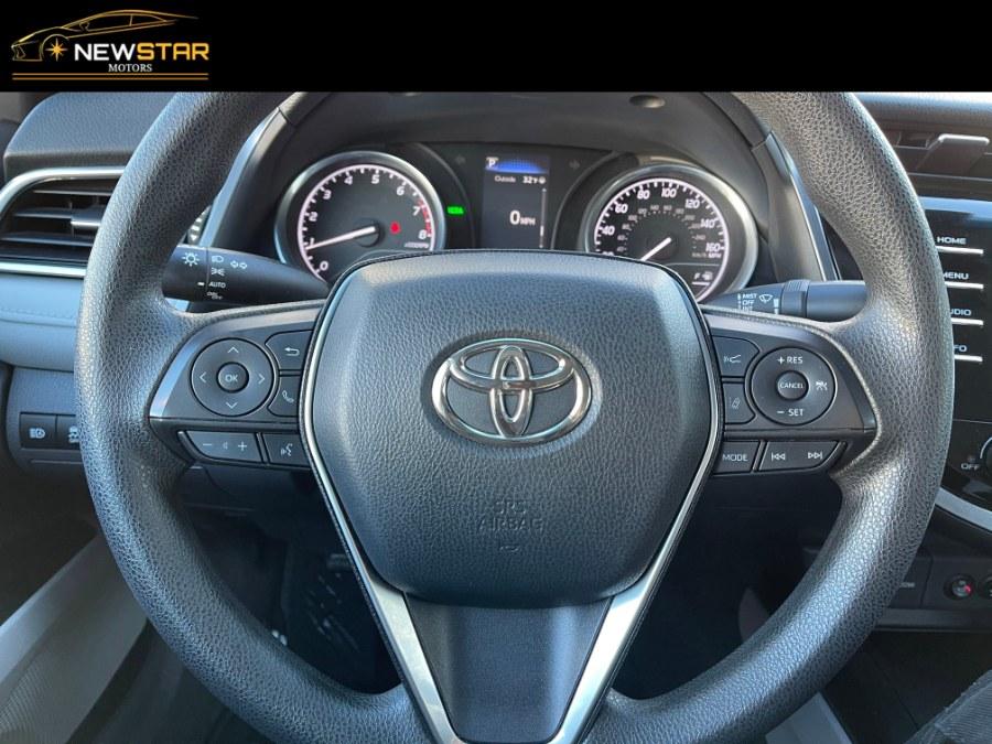 Used Toyota Camry LE Keyless/Heated Seats 2018   New Star Motors. Chelsea, Massachusetts