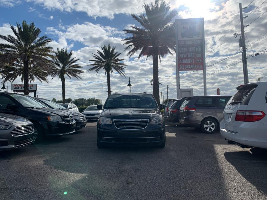 Used 2014 Chrysler Town & Country in Kissimmee, Florida | Central florida Auto Trader. Kissimmee, Florida
