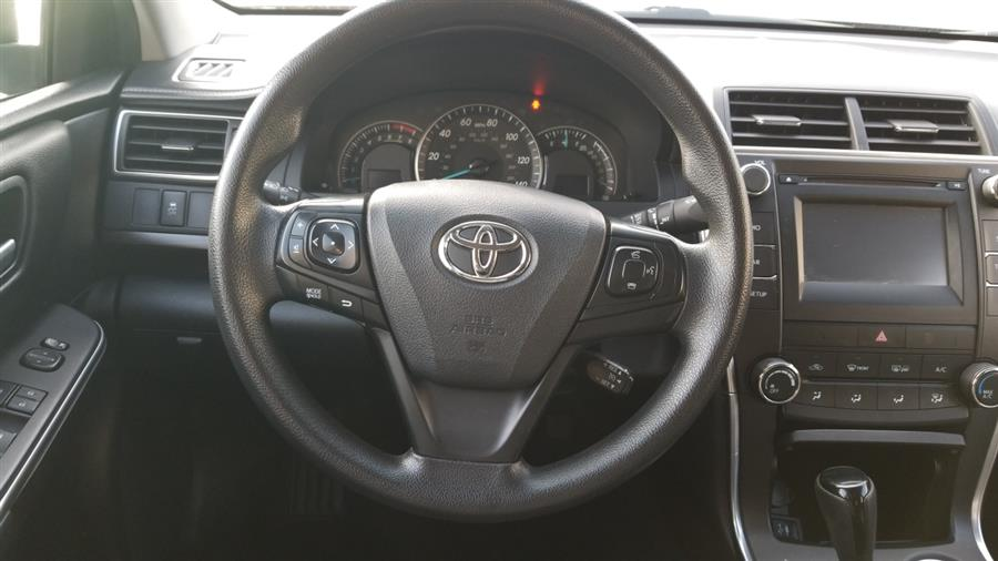 Used Toyota Camry 4dr Sdn I4 Auto XLE (Natl) 2015   New York Motors Group Solutions LLC. Bronx, New York