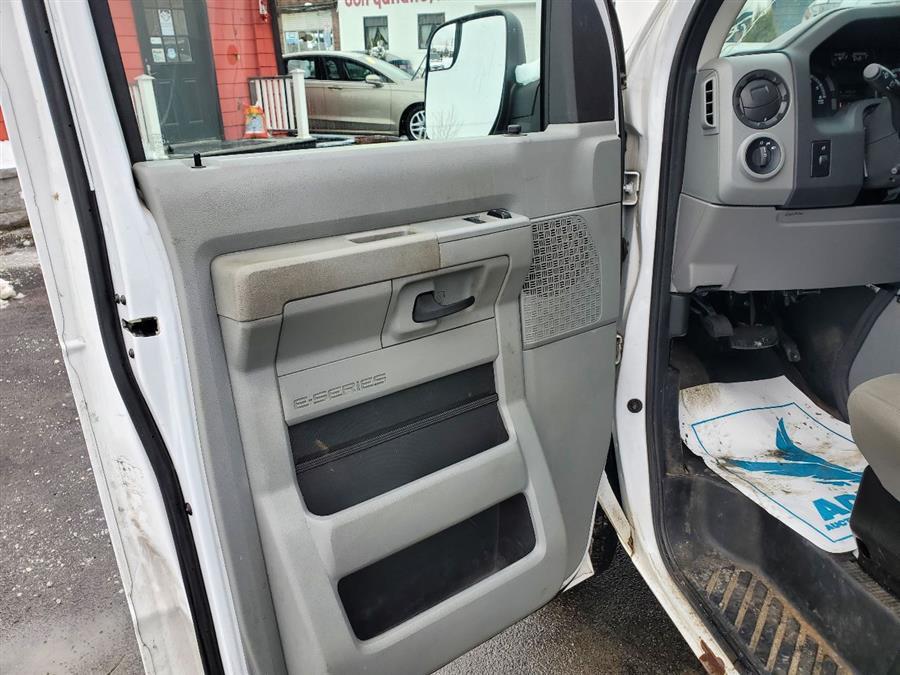 Used Ford E-series Cargo E 150 3dr Cargo Van 2014   Mass Auto Exchange. Framingham, Massachusetts