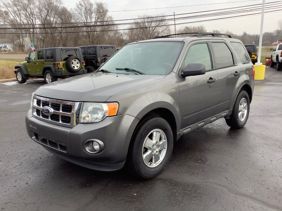 Used Ford Escape 4WD 4dr XLT 2011 | Marsh Auto Sales LLC. Ortonville, Michigan