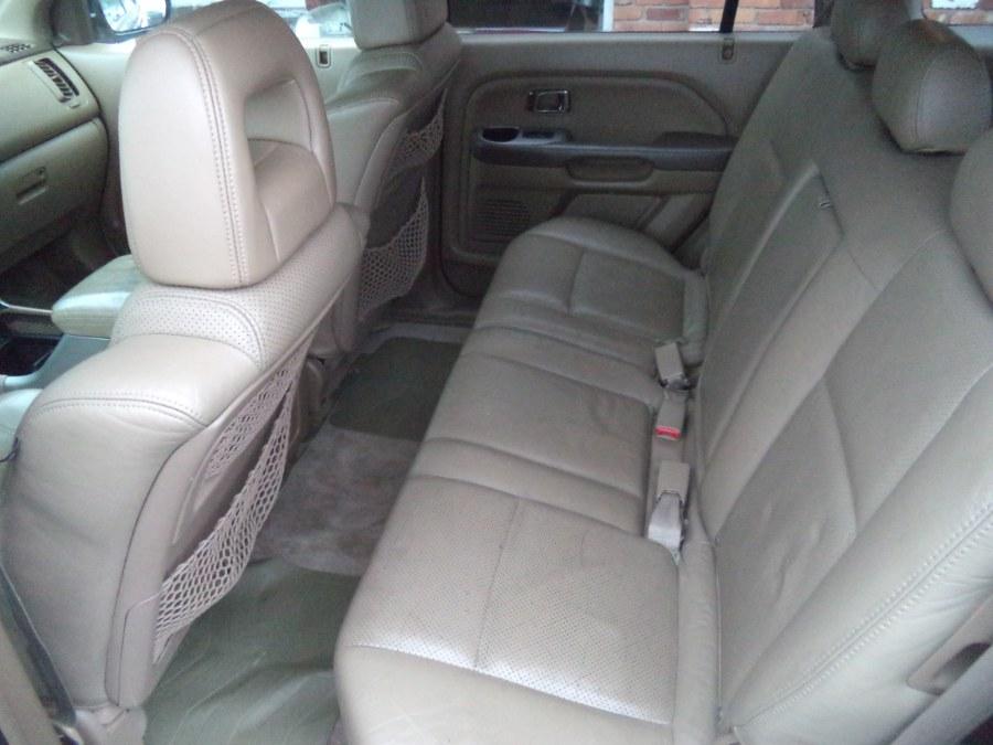 Used Honda Pilot 4WD EX Auto w/Leather 2004 | Riverside Motorcars, LLC. Naugatuck, Connecticut