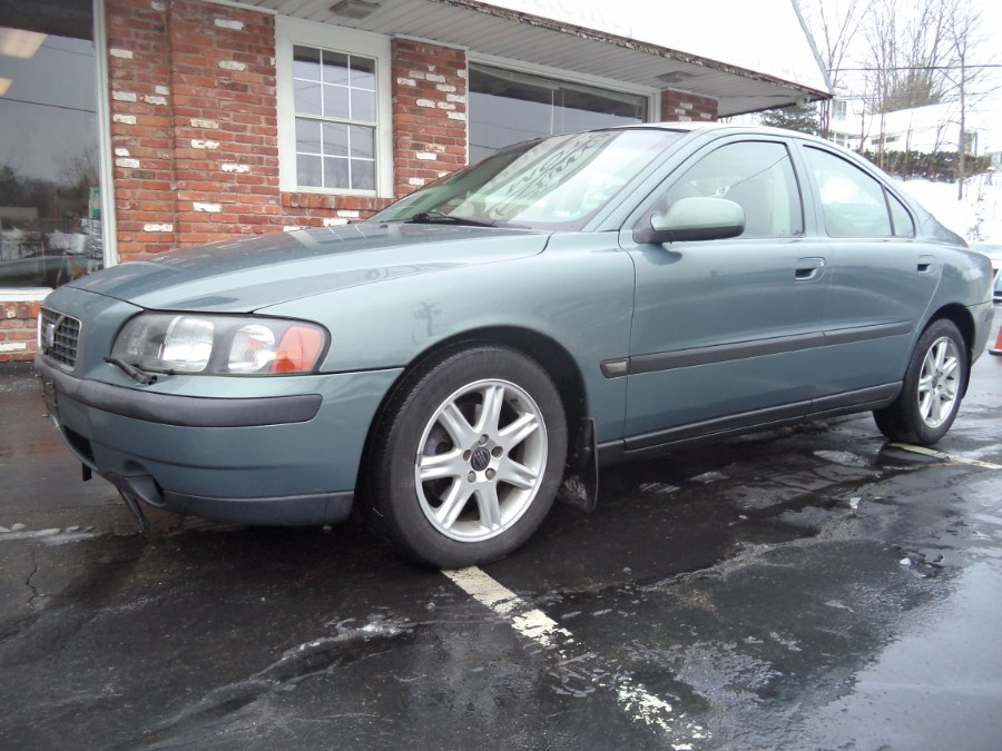 Used 2002 Volvo S60 in Naugatuck, Connecticut | Riverside Motorcars, LLC. Naugatuck, Connecticut