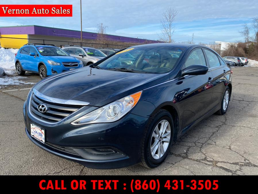 Used 2014 Hyundai Sonata in Manchester, Connecticut | Vernon Auto Sale & Service. Manchester, Connecticut