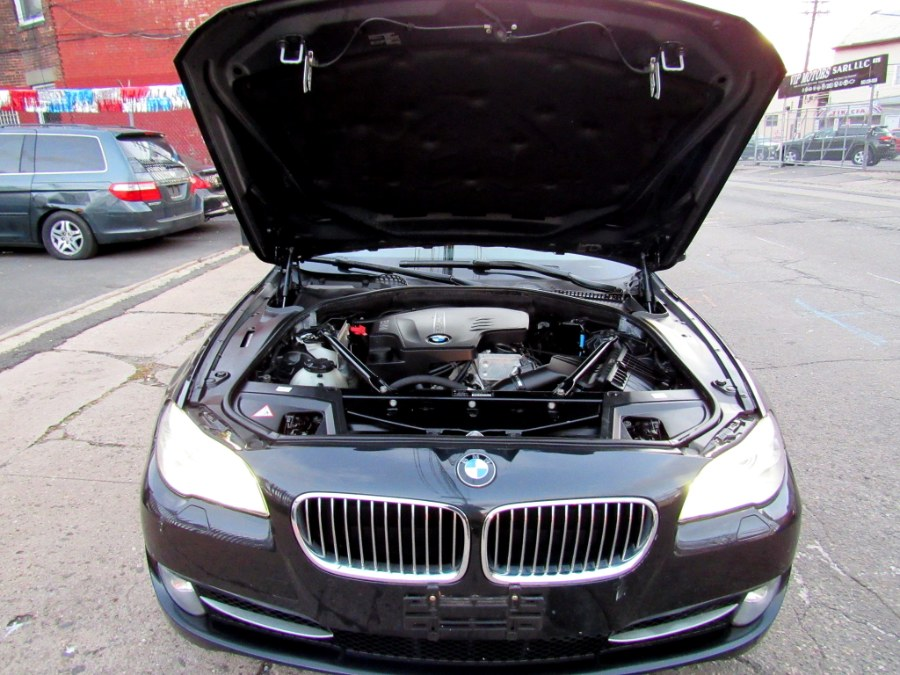 Used BMW 5 Series 4dr Sdn 528i xDrive AWD 2012 | MFG Prestige Auto Group. Paterson, New Jersey