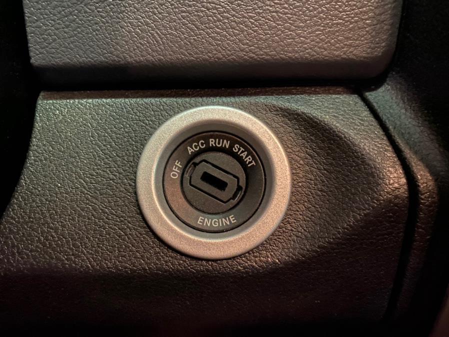 "Used Ram 1500 Classic SLT 4x4 Crew Cab 6''4"" Box 2019 | Autovanta. Massapequa Park, New York"