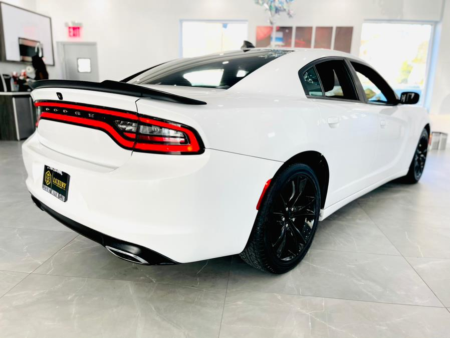 Used Dodge Charger 4dr Sdn SXT 2016 | Luxury Motor Club. Franklin Square, New York