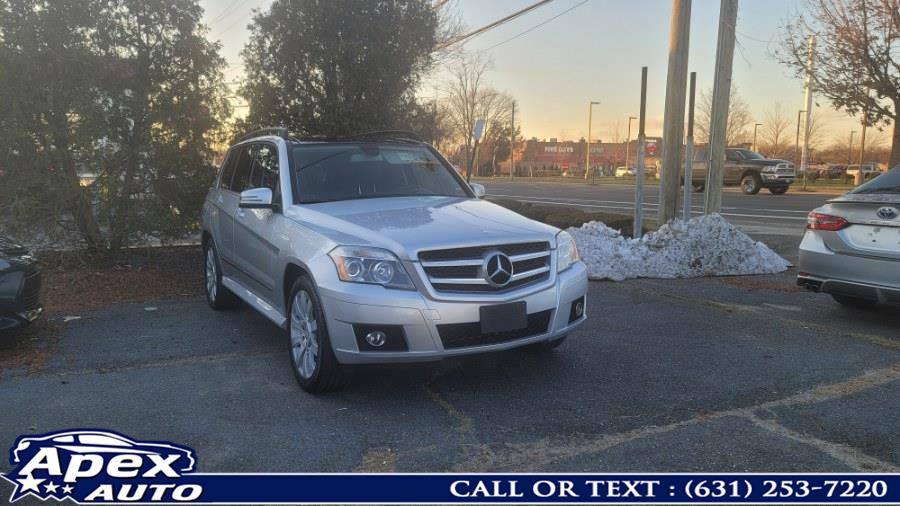 Used 2010 Mercedes-Benz GLK-Class in Selden, New York | Apex Auto. Selden, New York