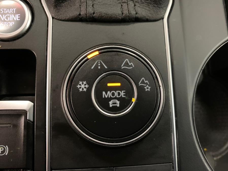 Used Volkswagen Atlas R-LINE 3.6L V6 SE w/Technology R-Line 4MOTION 2019 | 5 Towns Drive. Inwood, New York