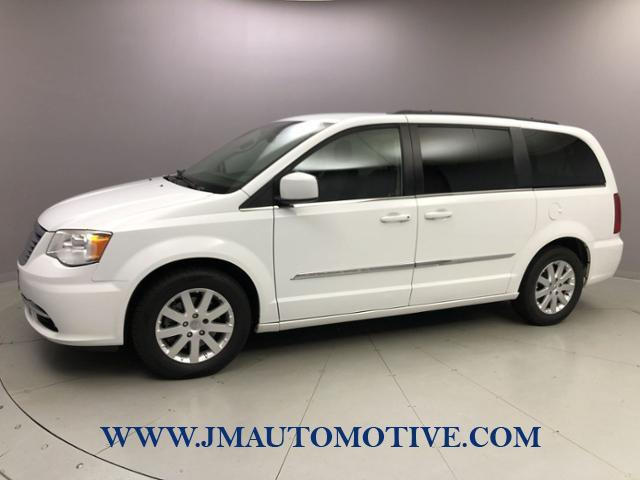Used Chrysler Town & Country 4dr Wgn Touring 2014 | J&M Automotive Sls&Svc LLC. Naugatuck, Connecticut