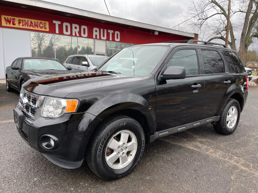 Used Ford Escape 4WD 4dr XLT w/ Sunroof 3.0L V6 2012 | Toro Auto. East Windsor, Connecticut