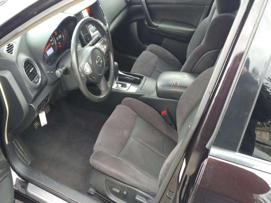 Used Nissan Maxima 4dr Sdn 3.5 S 2014 | Matts Auto Mall LLC. Chicopee, Massachusetts
