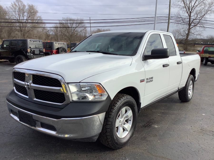 Used 2014 Ram 1500 in Ortonville, Michigan | Marsh Auto Sales LLC. Ortonville, Michigan