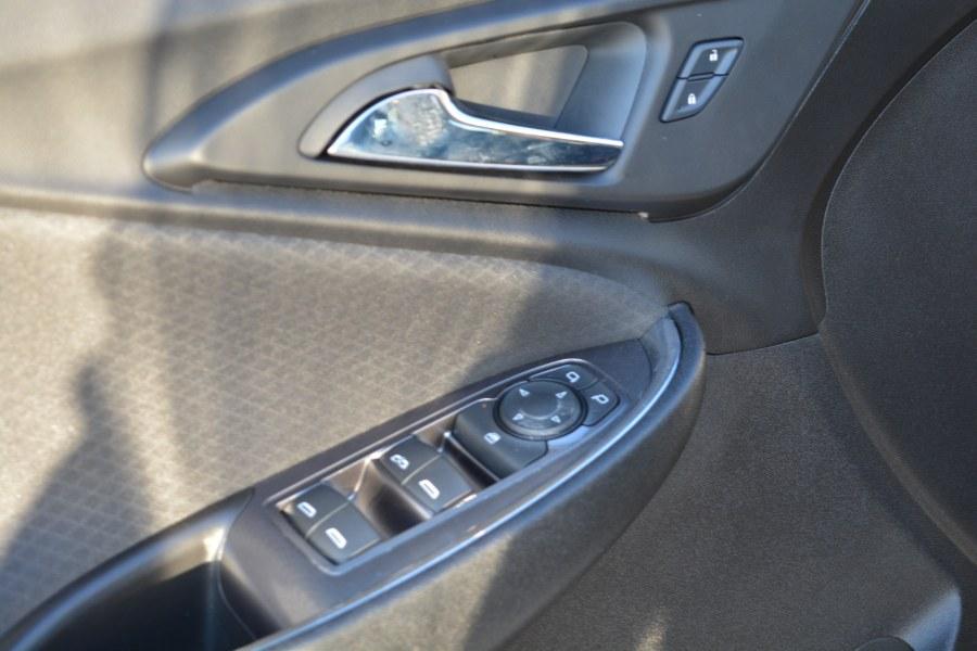 Used Chevrolet Malibu 4dr Sdn LT w/1LT 2016 | Longmeadow Motor Cars. ENFIELD, Connecticut