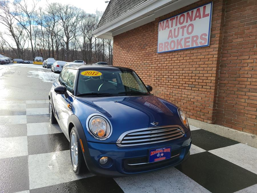 Used 2012 MINI Cooper Hardtop in Waterbury, Connecticut | National Auto Brokers, Inc.. Waterbury, Connecticut