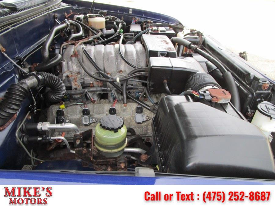 Used Toyota Tundra Access Cab V8 Auto SR5 4WD 2000 | Mike's Motors LLC. Stratford, Connecticut
