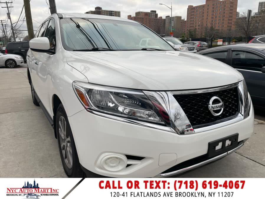 Used 2016 Nissan Pathfinder in Brooklyn, New York | NYC Automart Inc. Brooklyn, New York