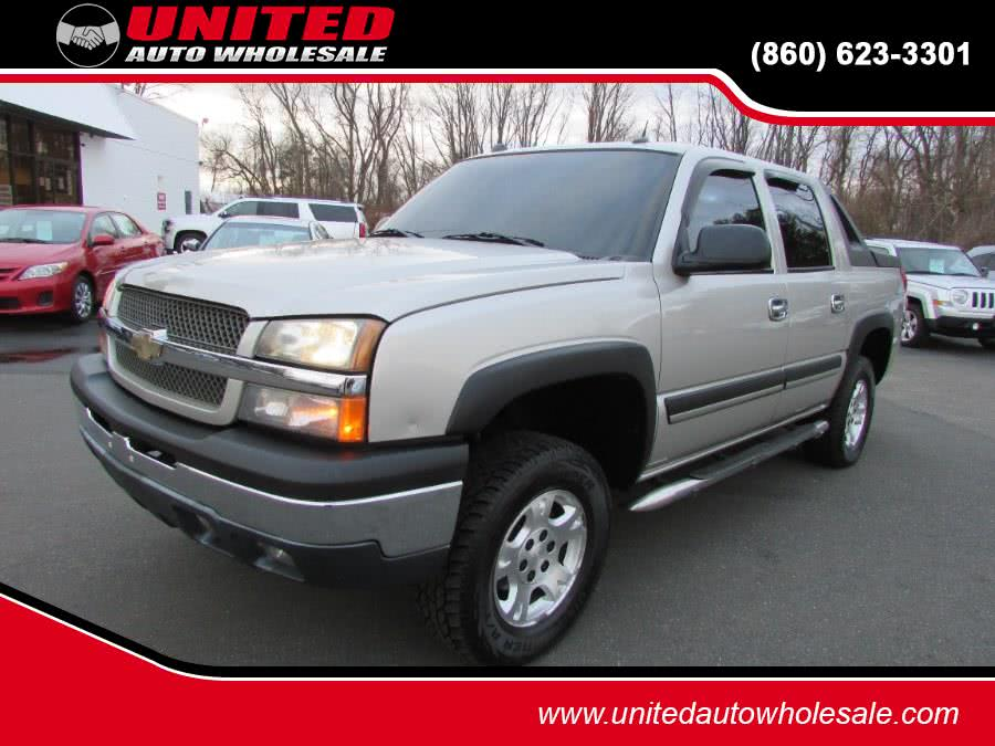 Used 2004 Chevrolet Avalanche in East Windsor, Connecticut | United Auto Sales of E Windsor, Inc. East Windsor, Connecticut