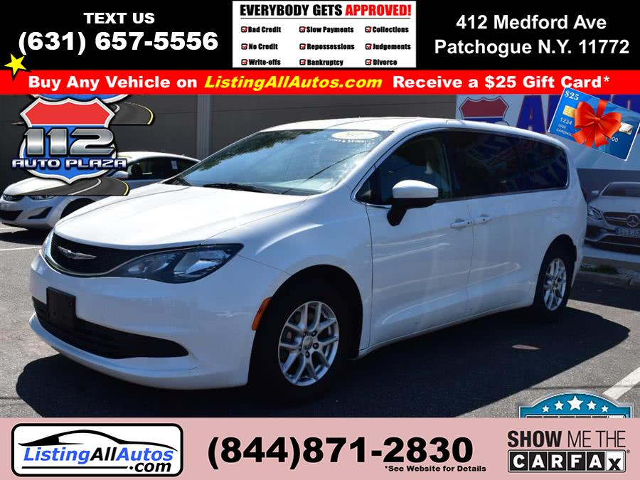 Used Chrysler Pacifica Touring FWD 2017 | www.ListingAllAutos.com. Patchogue, New York
