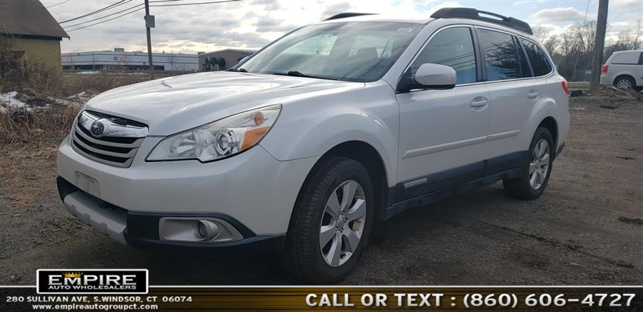 Used Subaru Outback 4dr Wgn H4 Auto 2.5i Limited 2011 | Empire Auto Wholesalers. S.Windsor, Connecticut