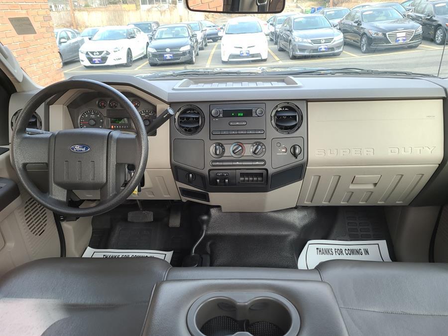 "Used Ford Super Duty F-250 SRW 4WD Reg Cab 137"" XL 2009 | National Auto Brokers, Inc.. Waterbury, Connecticut"