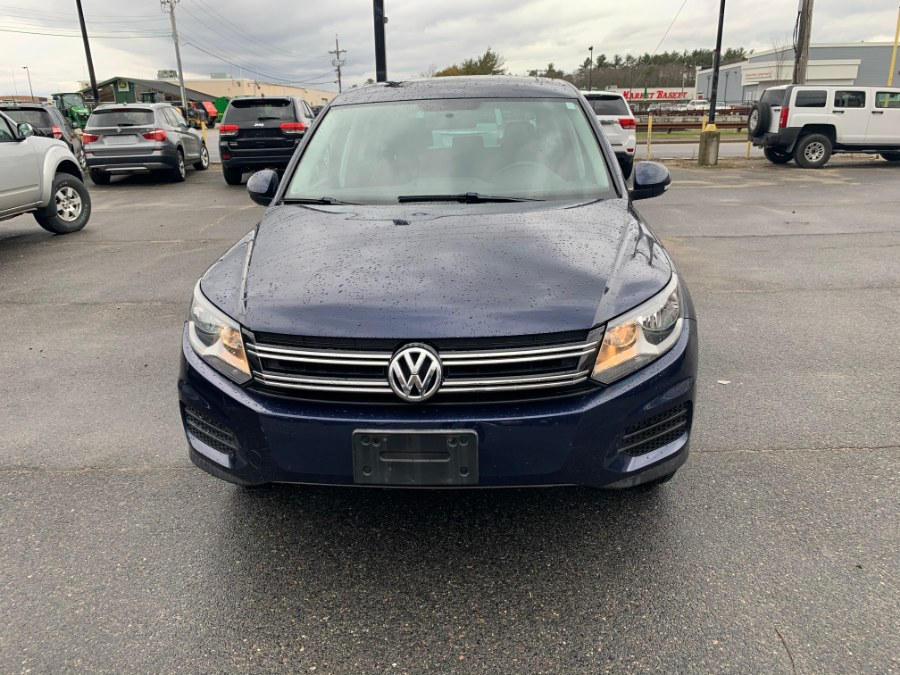 Used Volkswagen Tiguan 4WD 4dr Auto SE w/Sunroof & Nav 2012 | J & A Auto Center. Raynham, Massachusetts