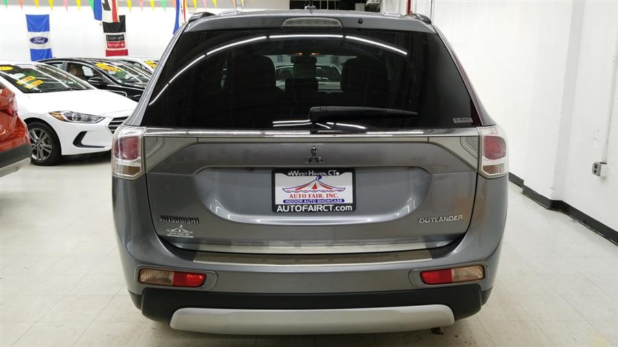 2015 Mitsubishi Outlander 4WD 4dr SE, available for sale in West Haven, CT