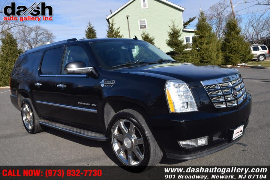 Used Cadillac Escalade ESV AWD 4dr Luxury 2011 | Dash Auto Gallery Inc.. Newark, New Jersey