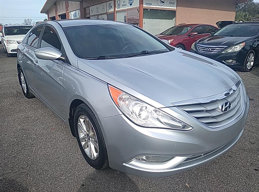 Used 2013 Hyundai Sonata in Kissimmee, Florida | Central florida Auto Trader. Kissimmee, Florida