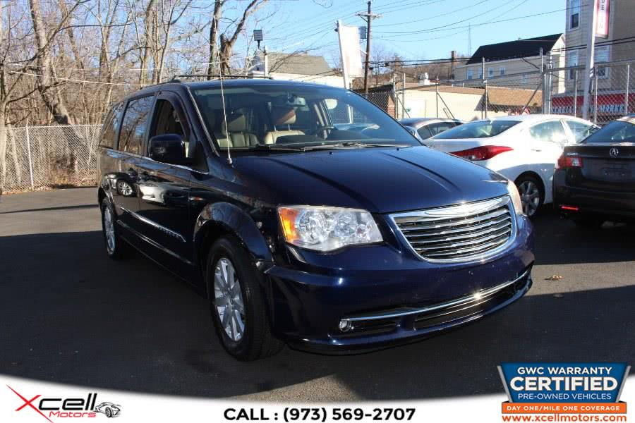 Used 2014 Chrysler Town & Country in Paterson, New Jersey | Xcell Motors LLC. Paterson, New Jersey