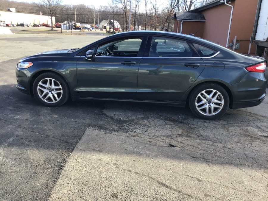 Used Ford Fusion 4dr Sdn SE FWD 2015 | Payless Auto Sale. South Hadley, Massachusetts