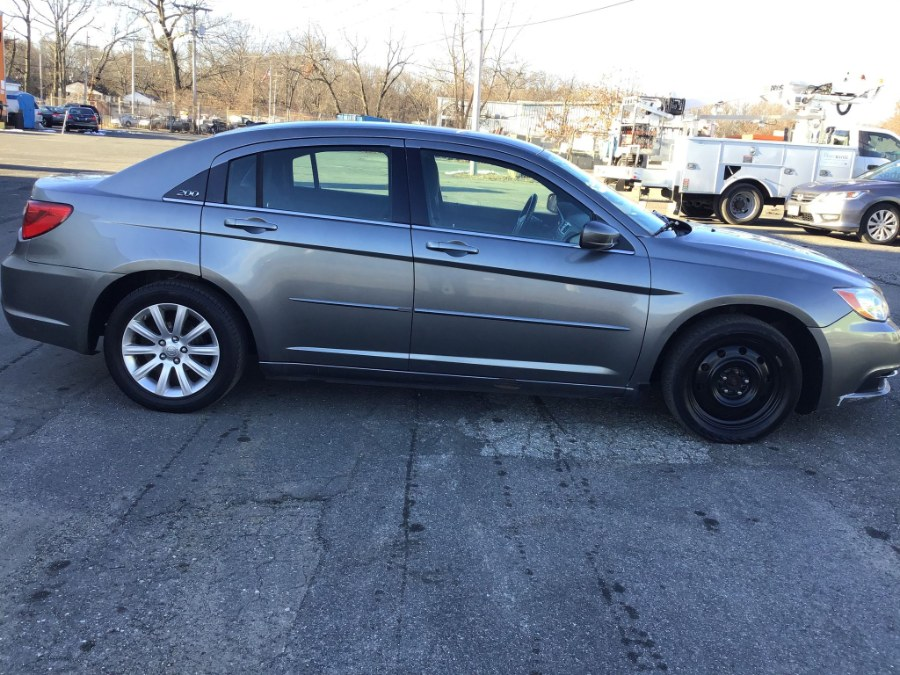 Used 2013 Chrysler 200 in South Hadley, Massachusetts | Payless Auto Sale. South Hadley, Massachusetts