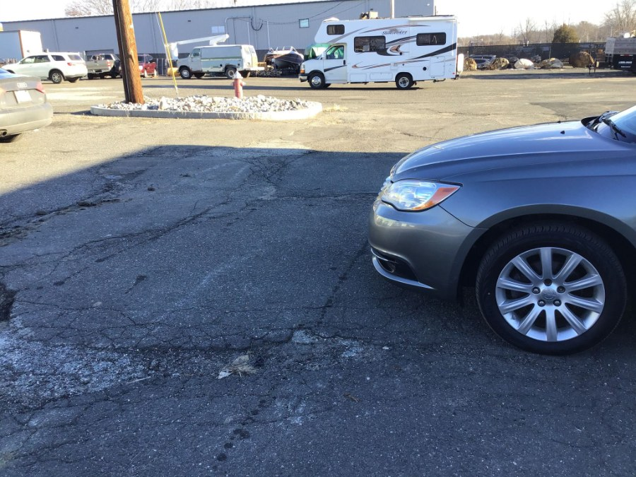 Used Chrysler 200 4dr Sdn Touring 2013   Payless Auto Sale. South Hadley, Massachusetts
