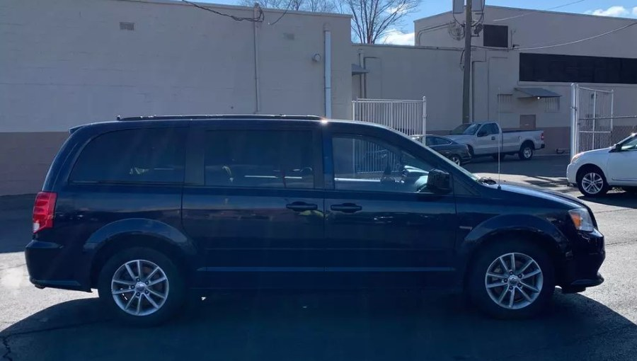 Used 2013 Dodge Grand Caravan in South Hadley, Massachusetts | Payless Auto Sale. South Hadley, Massachusetts