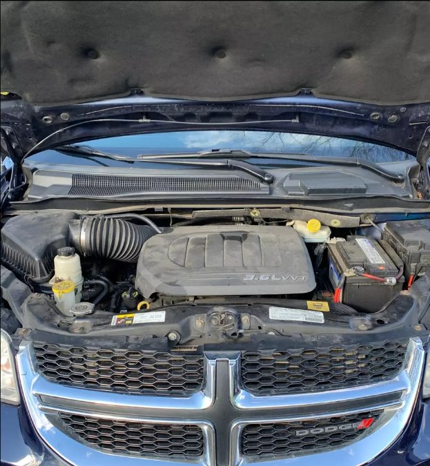 Used Dodge Grand Caravan 4dr Wgn SXT 2013 | Payless Auto Sale. South Hadley, Massachusetts
