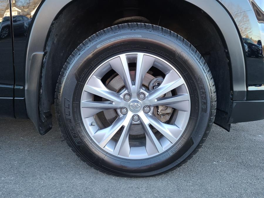 Used Toyota Highlander AWD 4dr V6 LE 2015   National Auto Brokers, Inc.. Waterbury, Connecticut