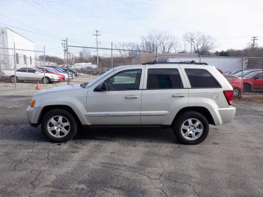 Used 2010 Jeep Grand Cherokee in Milford, Connecticut | Dealertown Auto Wholesalers. Milford, Connecticut