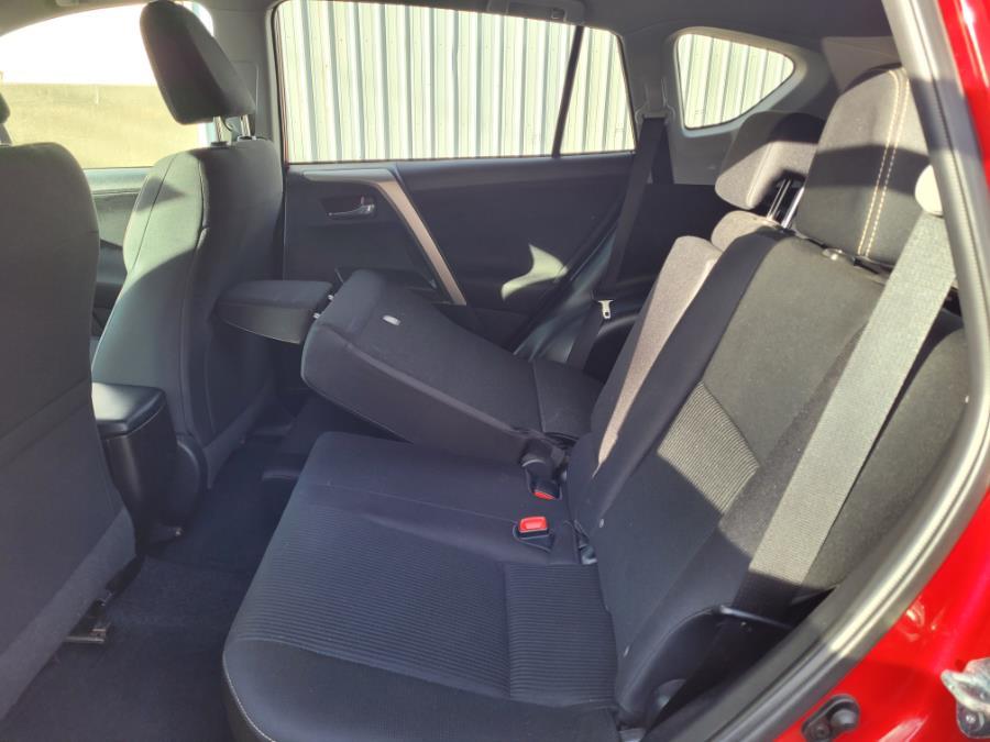 Used Toyota RAV4 AWD 4dr XLE (Natl) 2014 | Capital Lease and Finance. Brockton, Massachusetts