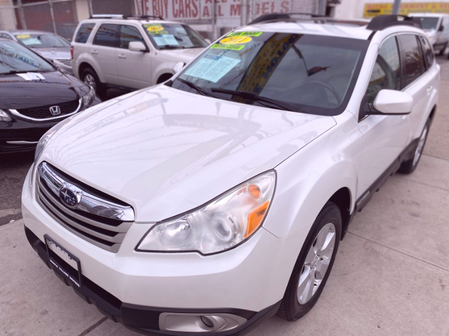 Used Subaru Outback 4dr Wgn H4 Auto 2.5i Prem AWP/Pwr Moon 2011 | Middle Village Motors . Middle Village, New York