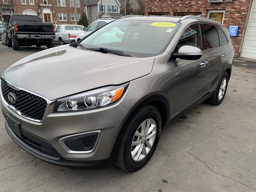 Used 2016 Kia Sorento in New Britain, Connecticut | Central Auto Sales & Service. New Britain, Connecticut