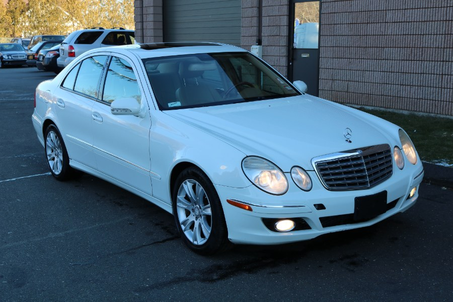 Used 2009 Mercedes-Benz E-Class in Bristol, Connecticut | Dealmax Motors LLC. Bristol, Connecticut
