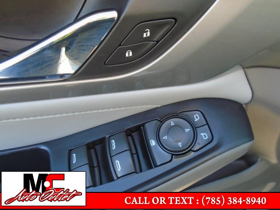 Used Chevrolet Traverse FWD 4dr LT Cloth w/1LT 2018   M C Auto Outlet Inc. Colby, Kansas