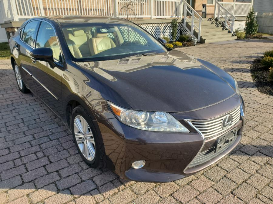 Used 2013 Lexus ES 350 in West Babylon, New York | SGM Auto Sales. West Babylon, New York